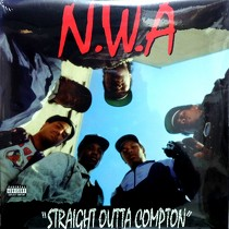 N.W.A. : STRAIGHT OUT COMPTON